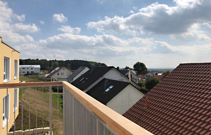 Haus_Gruppe_Balkon_4402